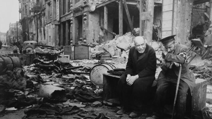 Der Krieg ist aus, die Nazis sind besiegt (Berlin, Mai 1945)